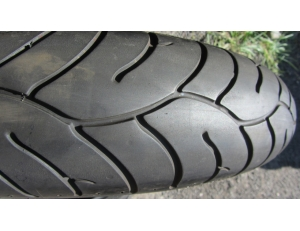 Bridgestone 120/70ZR17, DOT0513